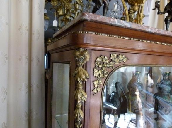 Louis 16 Display Cabinet Vitrine Highlights Johan Doomen